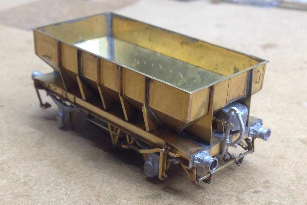 P22 ballast hopper